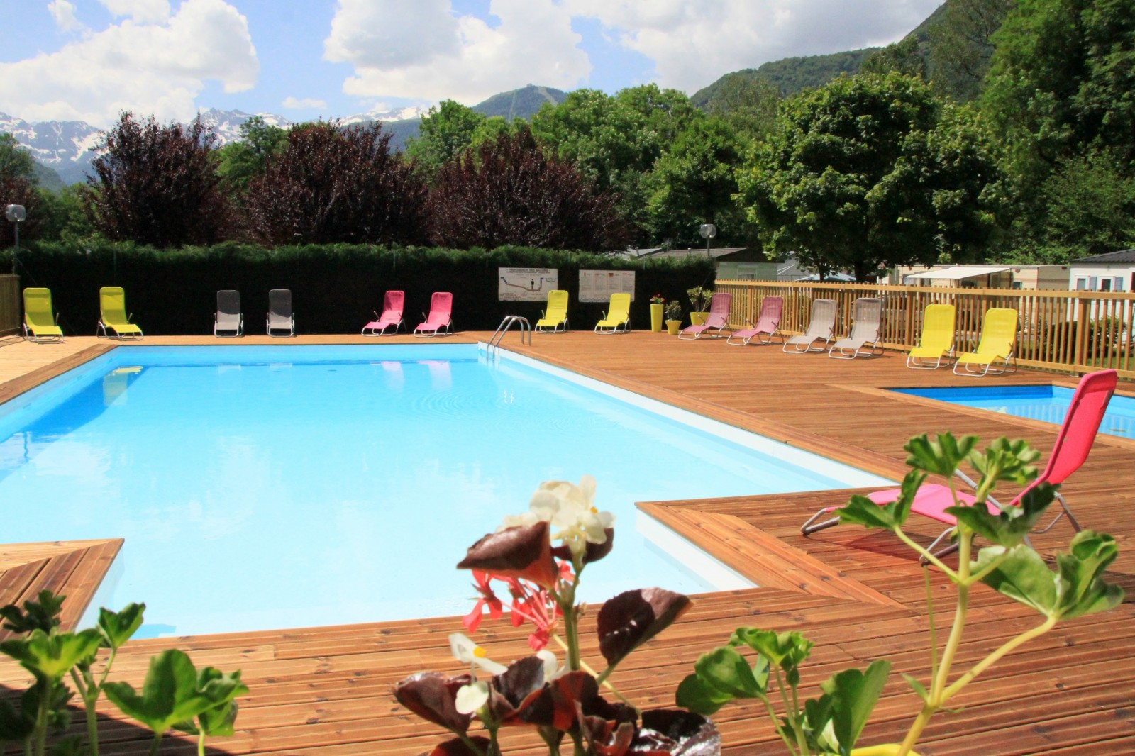 aquatic center the pyrenees bagn res de luchon ForCamping Bagneres De Luchon Avec Piscine